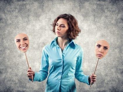 איך המסכות שלנו גורמות להרס הזוגיות